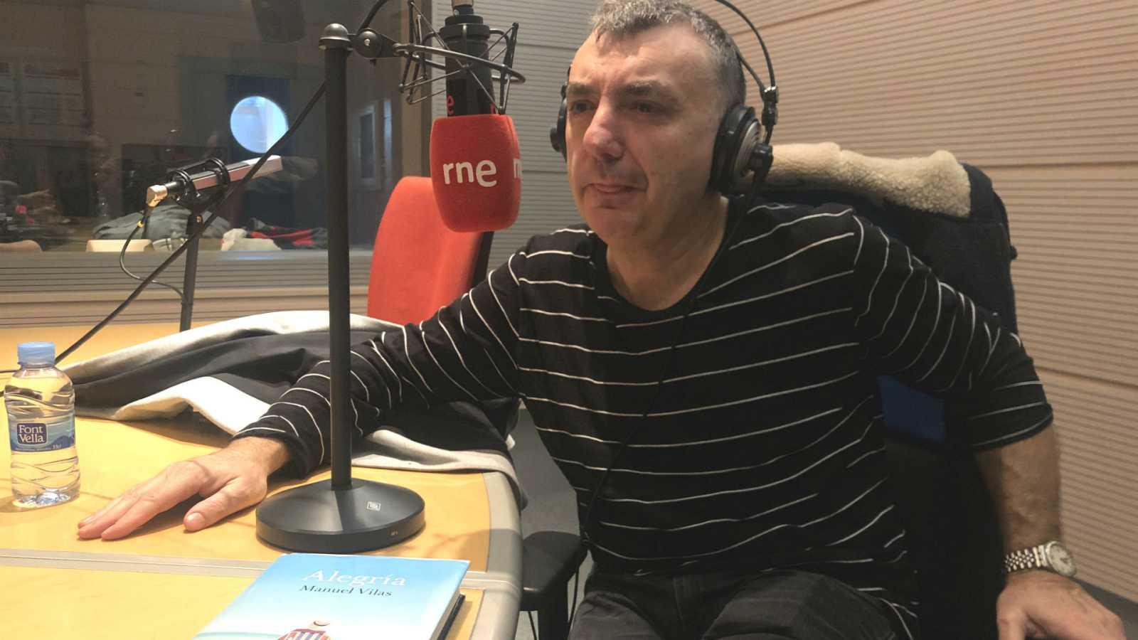 Diálogo y espejo - Manuel Vilas: 'La culpa, como el delito, también prescribe' - 07/03/20 - escuchar ahora