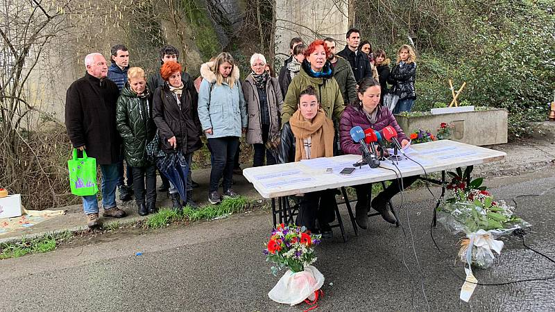 14 Horas Fin de Semana - Concentración de los familiares de los dos desaparecidos en Zaldívar