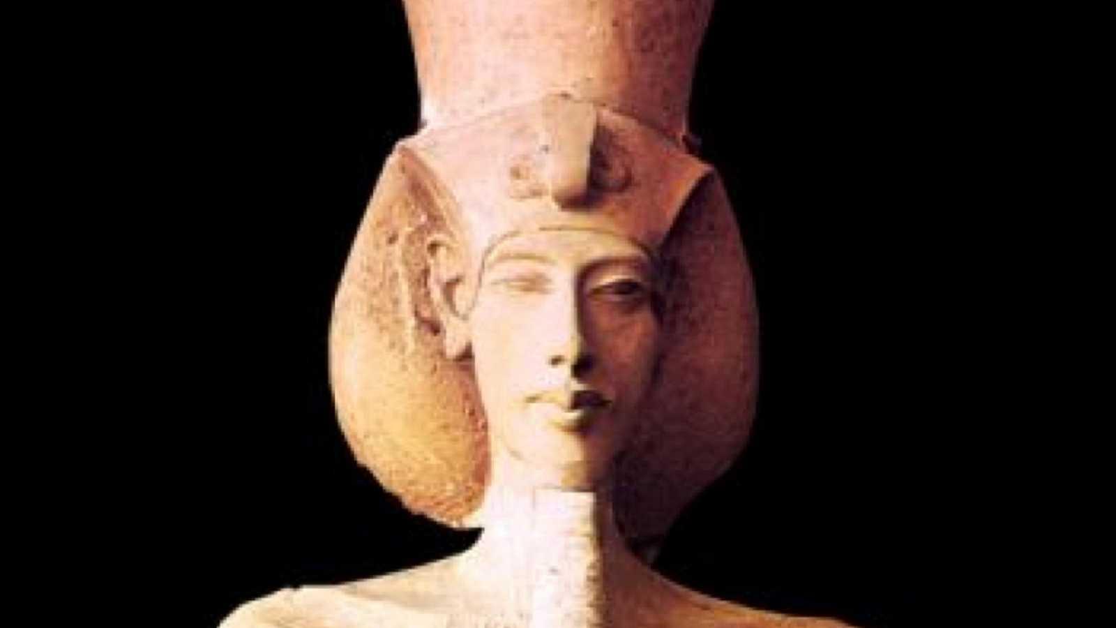 El pasado ya no es lo que era - El faraón drag queen - 08/03/20 - Escuchar ahora