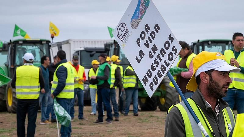 Las mañanas de RNE con Íñigo Alfonso - Atentos a las protestas de agricultores y ganaderos en Ciudad Real - Escuchar ahora