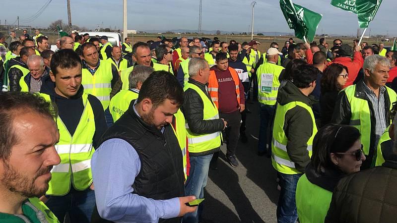 Boletines RNE - Cortes en la A-4 por una nueva tractorada en Ciudad Real - Escuchar ahora
