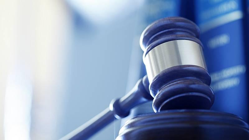 Boletines RNE - Un juzgado de Barcelona investiga a tres cónsules por blanqueo - Escuchar ahora