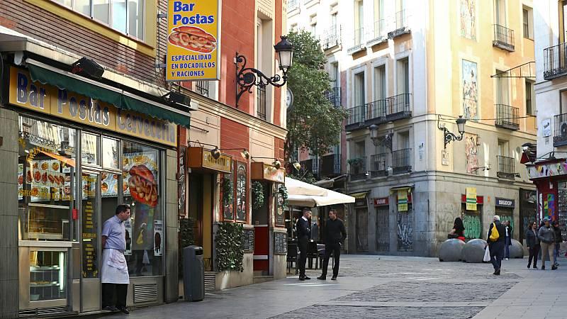 Informativo de Madrid - La Comunidad de Madrid decreta el cierre de bares, cafeterías y restaurantes - Escuchar ahora