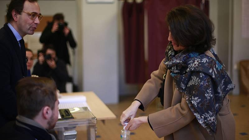 España a las 8 Fin de Semana - Colegios electorales abiertos en Francia para las elecciones municipales a pesar del coronavirus - Escuchar ahora