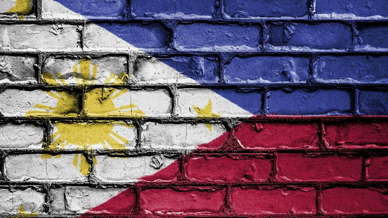 El gallo que no cesa - Daniel Alquézar, atrapado en Filipinas - Escuchar ahora