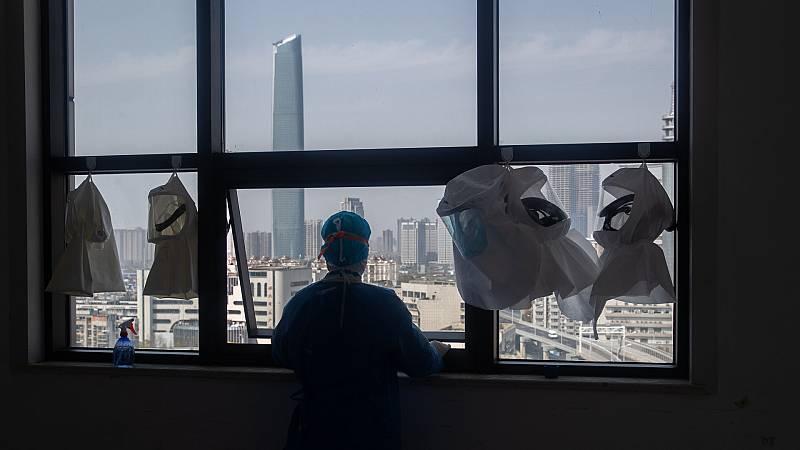 14 Horas Fin de Semana - China trata de volver a la normalidad con la bajada de los contagios - Escuchar ahora