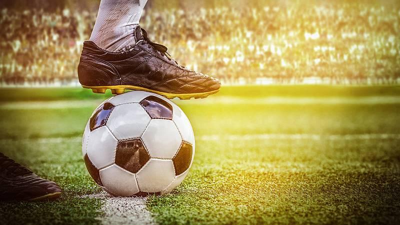 Por tres razones - Psicología deportiva para sobrellevar la cuarentena - Escuchar ahora