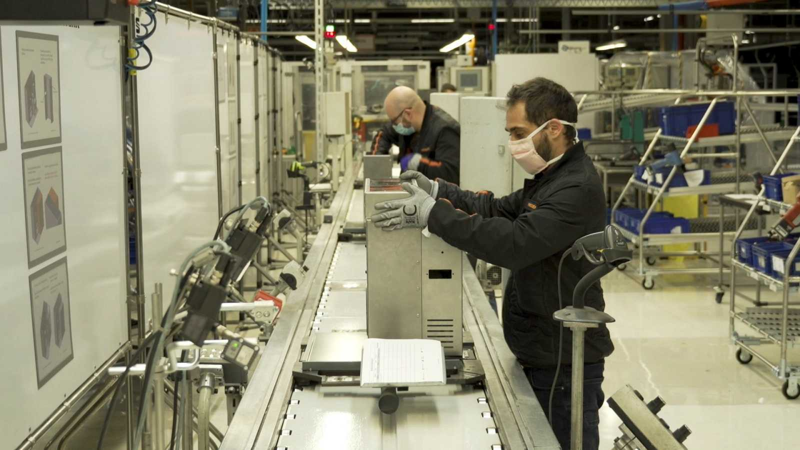 Las mañanas de RNE con Íñigo Alfonso - La planta de Martorell de Seat se convierte en una fábrica de respiradores - Escuchar ahora