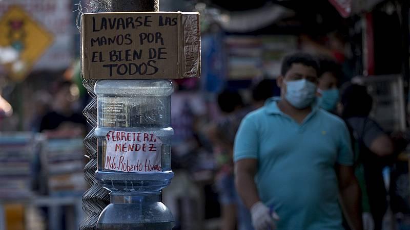 España a las 8 Fin de Semana - La OMS insta a los países a eliminar barreras sanitarias entre los ciudadanos - Escuchar ahora