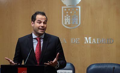 """España a las 8 Fin de Semana - Ignacio Aguado: """"Hay que pedir disculpas a las familias y a los profesionales que trabajan en las residencias"""" - Escuchar ahora"""