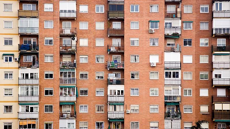 14 horas - Vivir confinado en 20 metros cuadrados sin balcón - Escuchar ahora