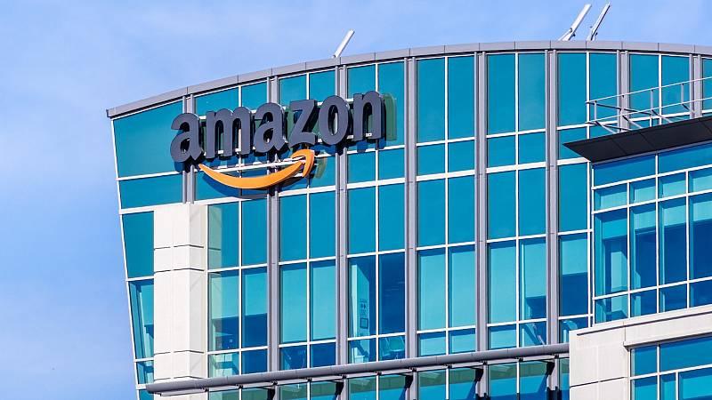 Boletines RNE - Un tribunal restringe la actividad de Amazon en Francia - Escuchar ahora