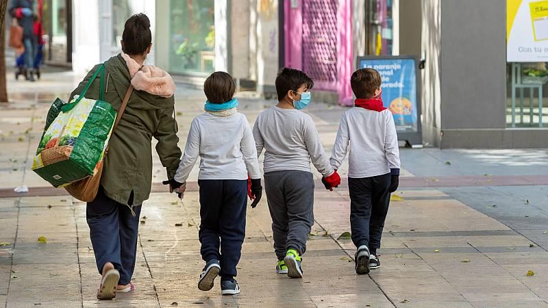 España a las 8 Fin de Semana - La Generalitat presenta un plan para la salida de los niños la semana que viene - Escuchar ahora