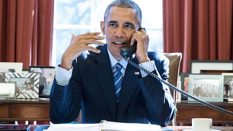 """24 horas fin de semana - 20 horas - Obama califica de """"desastre caótico absoluto"""" la gestión de Trump en la pandemia - Escuchar ahora"""