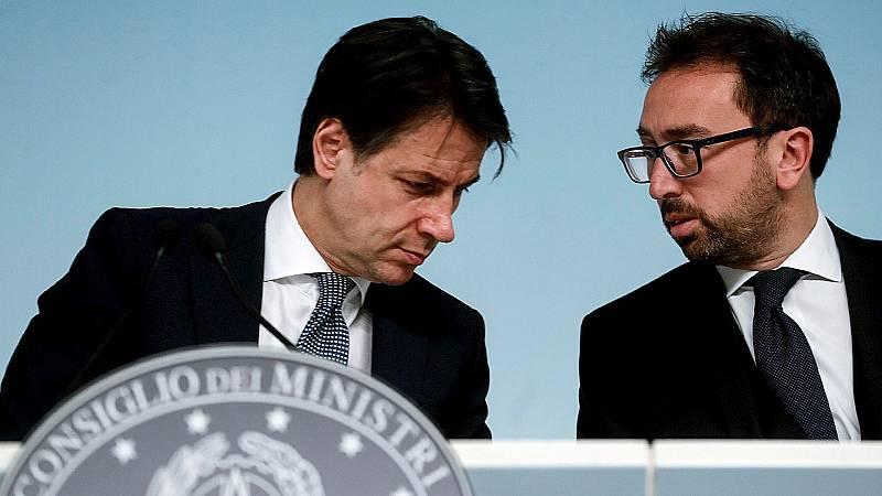 14 horas Fin de Semana - Italia da 15 días a los jueces para revisar la excarcelación de mafiosos por la pandemia - Escuchar ahora