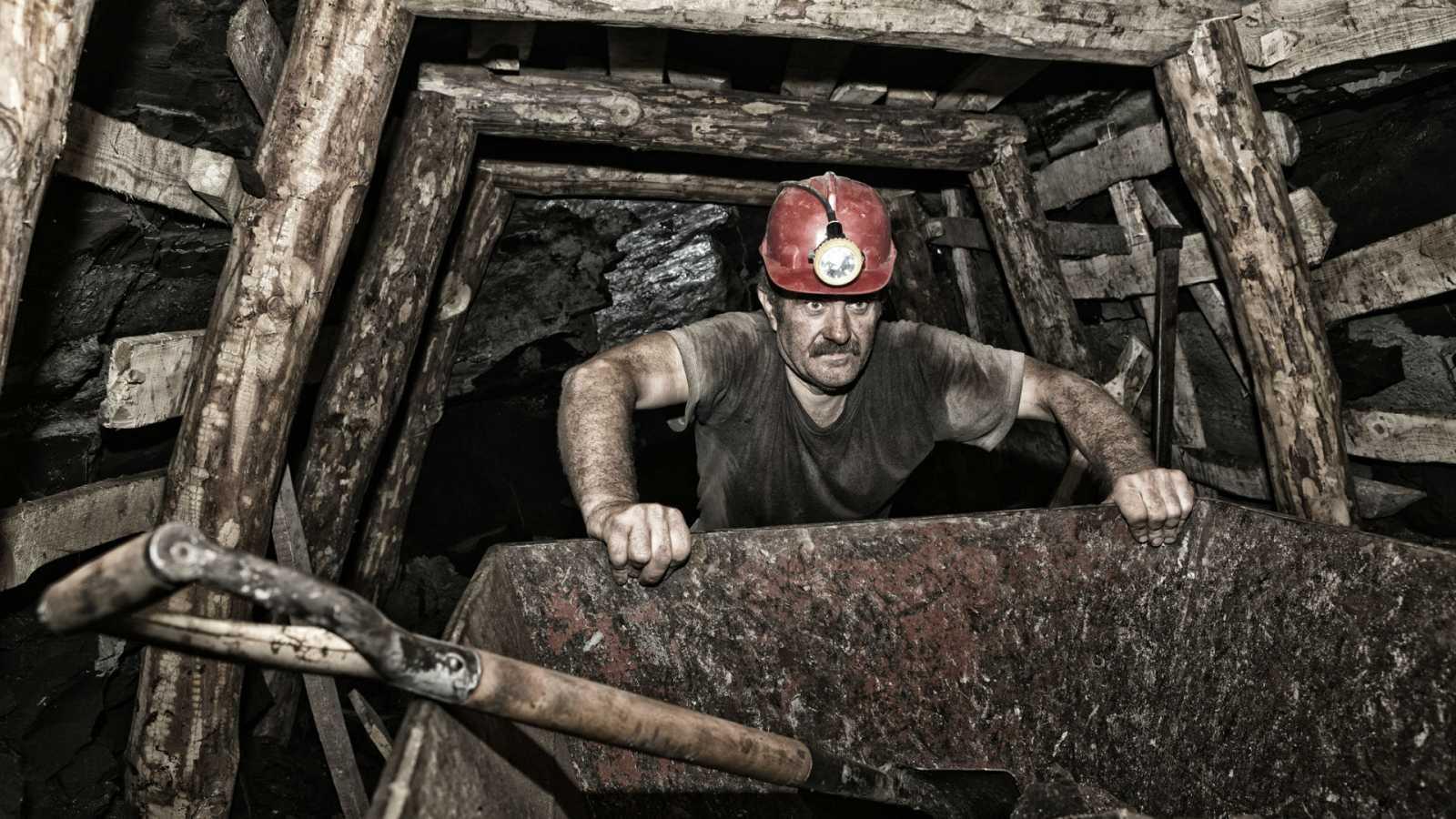 En primera persona - Bajamos a una mina emblemática que ya no existe. Queda su memoria - 12/05/20 - escuchar ahora