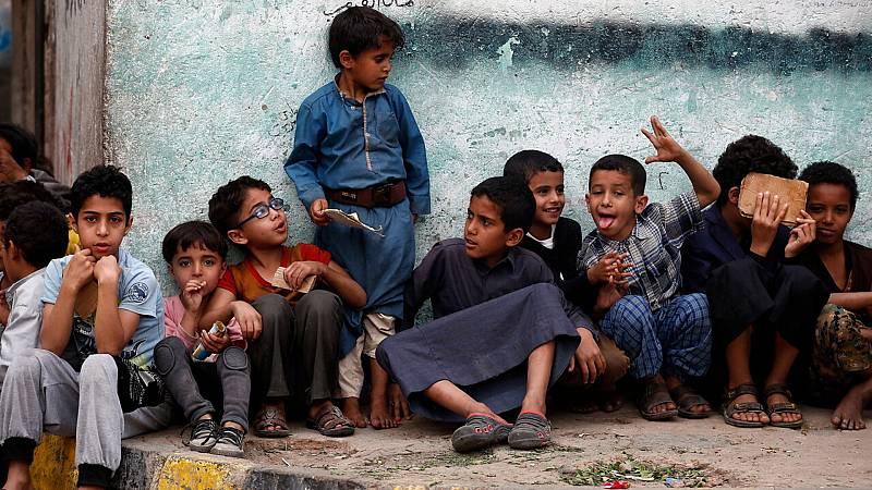 """14 horas Fin de Semana - La pandemia golpea Yemen sin casi médicos ni agua potable: """"hay personas muriendo a las puertas de los hospitales"""" - Escuchar ahora"""