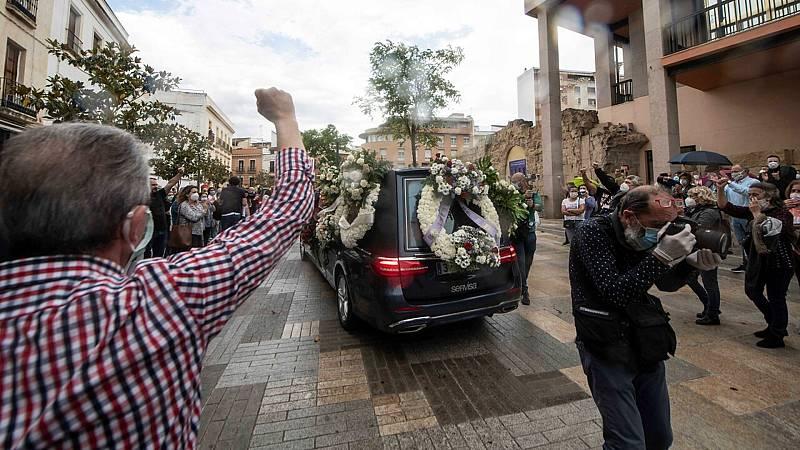 24 horas fin de semana - 20 horas - Una ovación de 22 minutos para despedir a Anguita en Córdoba - Escuchar ahora