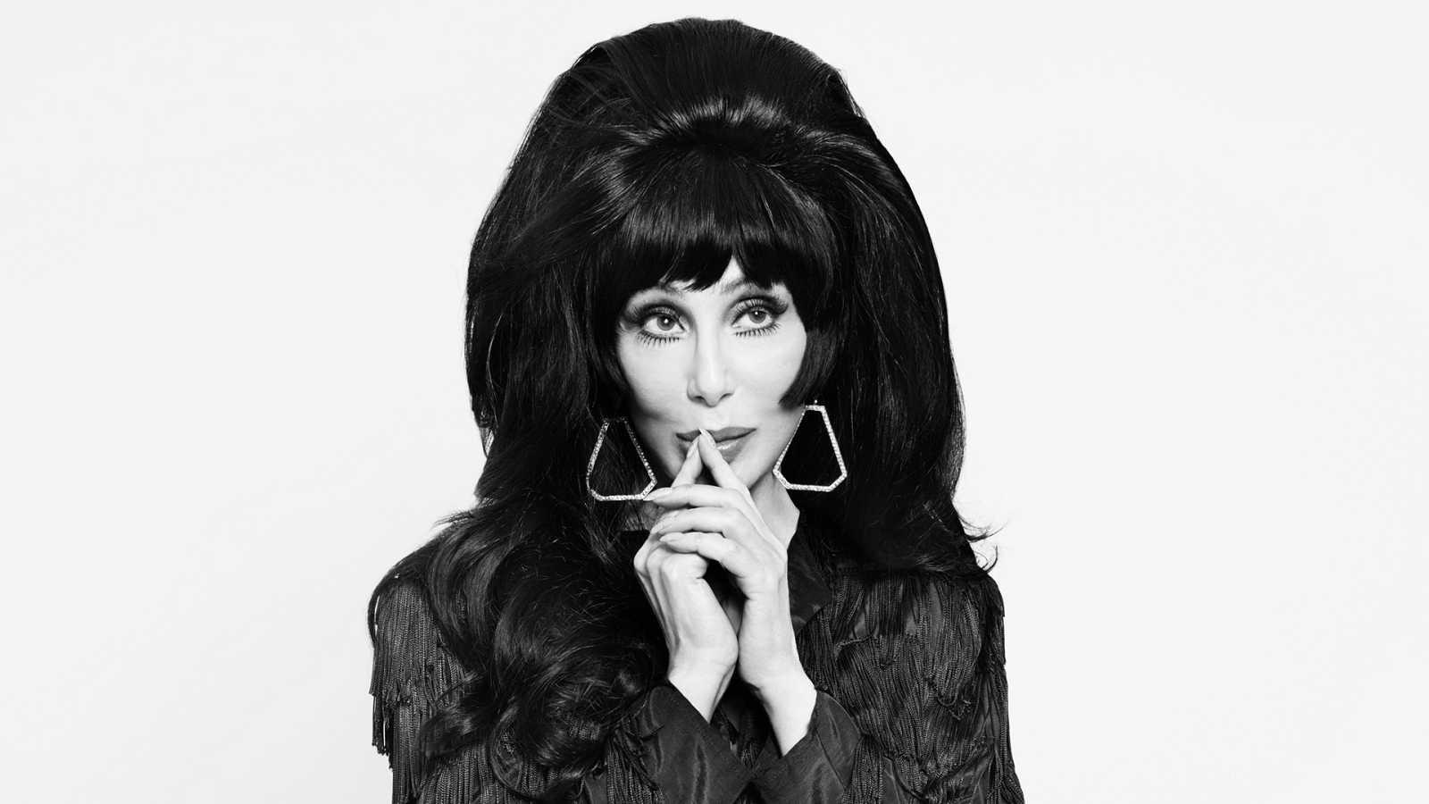 Entre dos luces - Atemporal, excéntrica, excesiva... Cher - 21/05/20 - escuchar ahora
