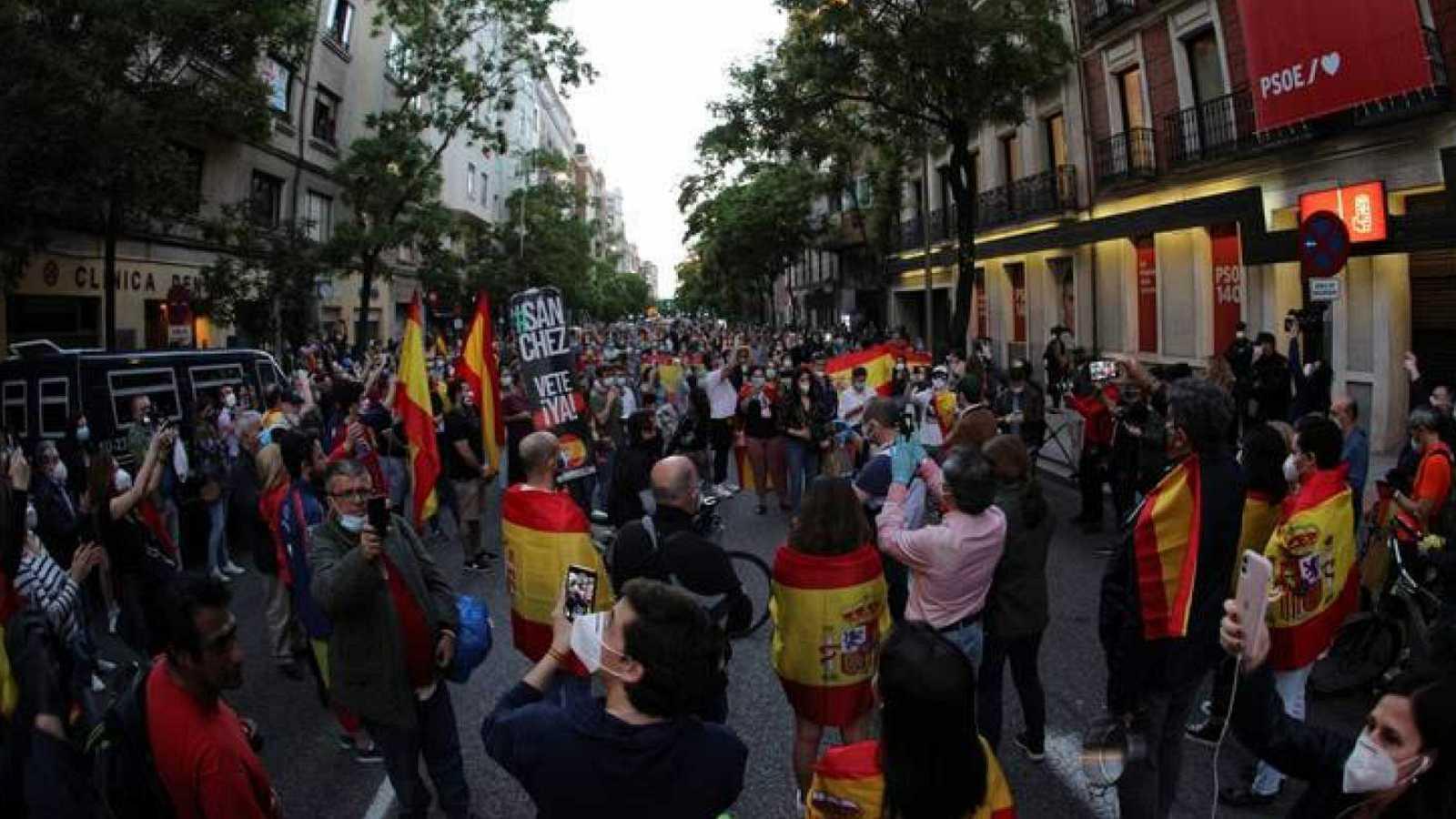 14 horas - La Delegación del Gobierno autoriza la manifestación de Vox el sábado en Madrid - Escuchar ahora