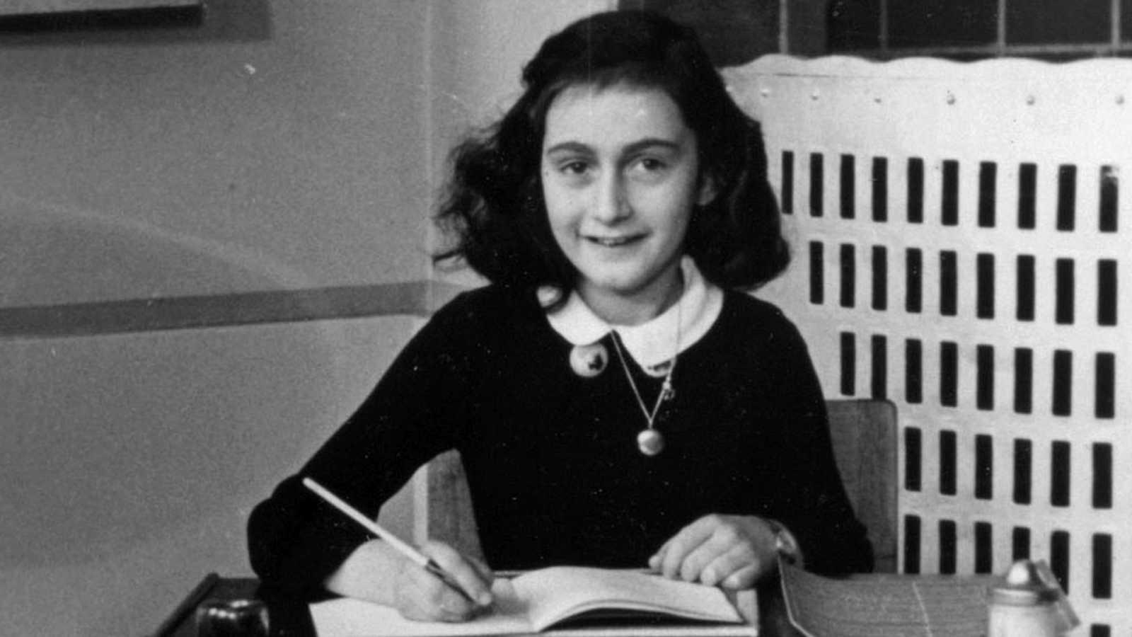 Por tres razones - Lo que nos puede enseñar la historia de Ana Frank durante la cuarentena - Escuchar ahora