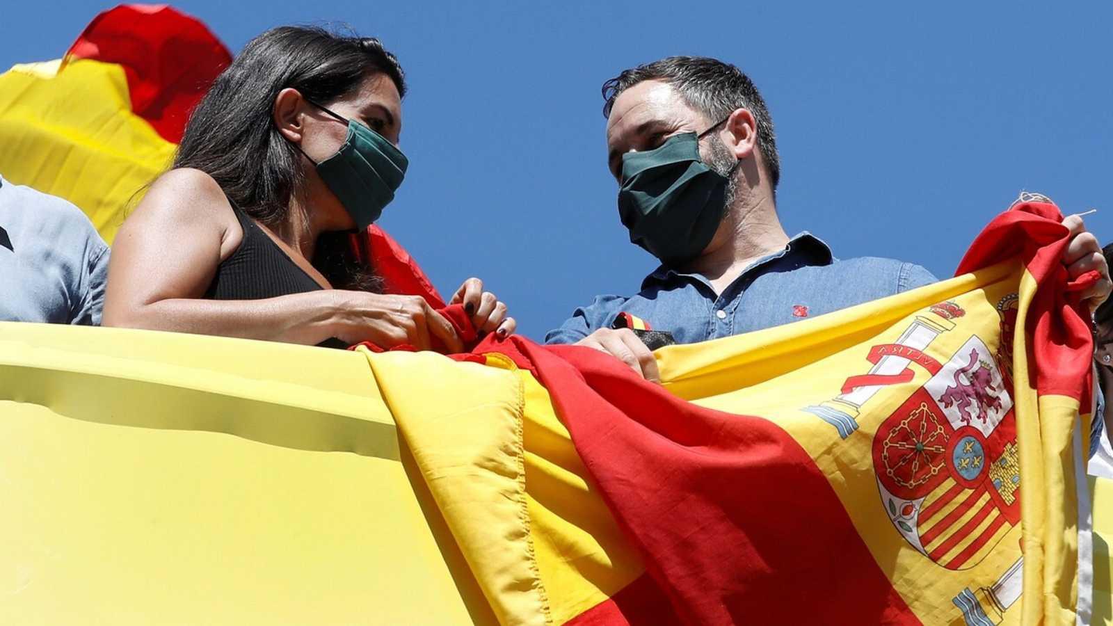 14 horas fin de semana - Abascal llama a los ciudadanos a mantener la tensión en las calles - Escuchar ahora