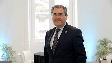 """Las mañanas de RNE con Íñigo Alfonso - Juan Espadas, alcalde de Sevilla: """"Es vital que el turismo recupere la normalidad"""" - Escuchar ahora"""