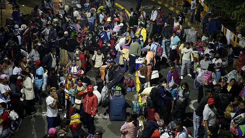 Las mañanas de RNE con Íñigo Alfonso - Miles de refugiados venezolanos, obligados a volver al país ante la falta de recursos - Escuchar ahora