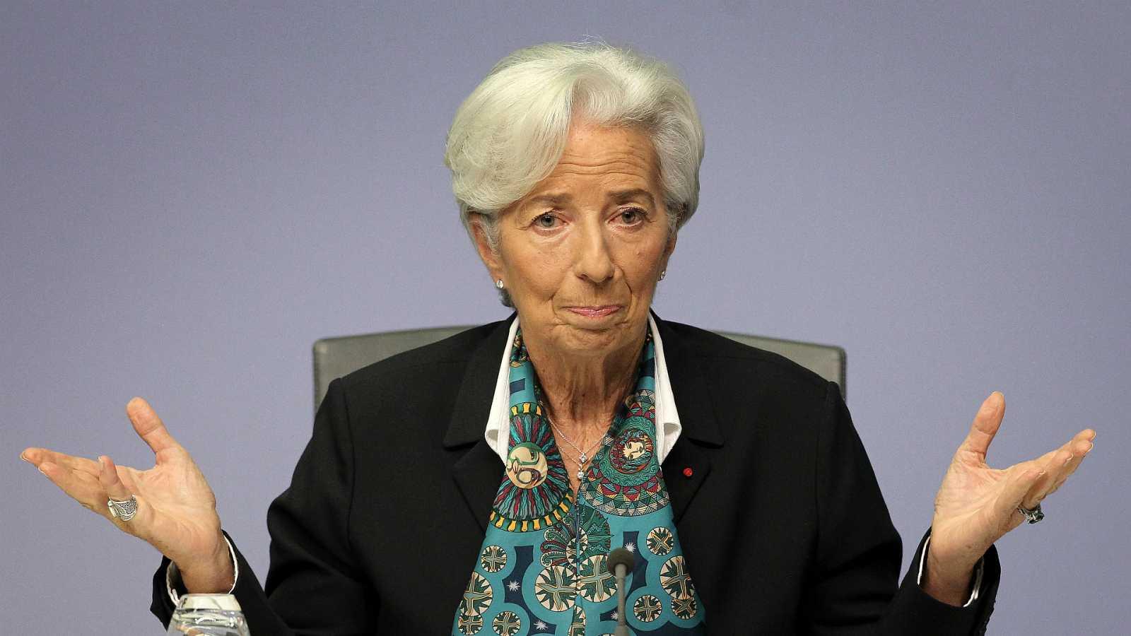 14 horas - El BCE empeora sus previsiones y calcula que la eurozona caerá al menos un 8% este año - Escuchar ahora