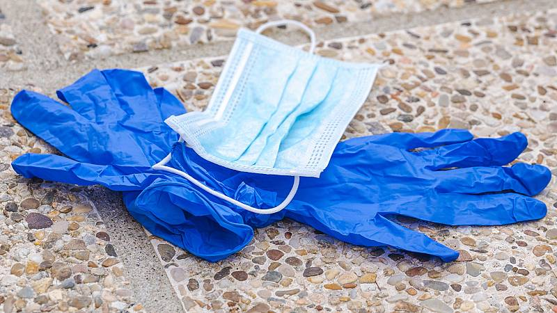 Por tres razones - Vuelven los plásticos desechables - 27/05/20 - escuchar ahora