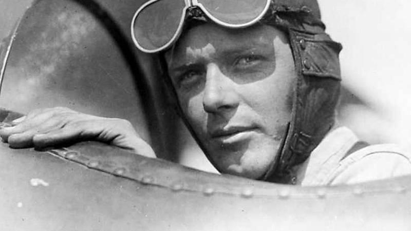 24 horas - En algún lugar del tiempo: Charles Lindbergh - Escuchar ahora