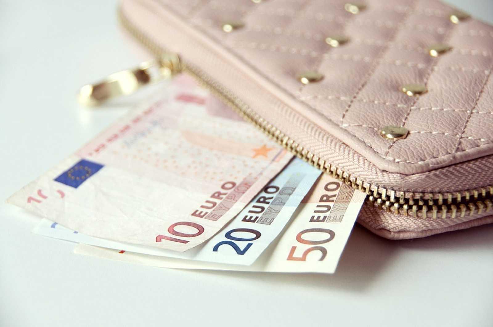 Edició Vespre - La renda mínima garantida es podrà demanar a partir del 15 de juny