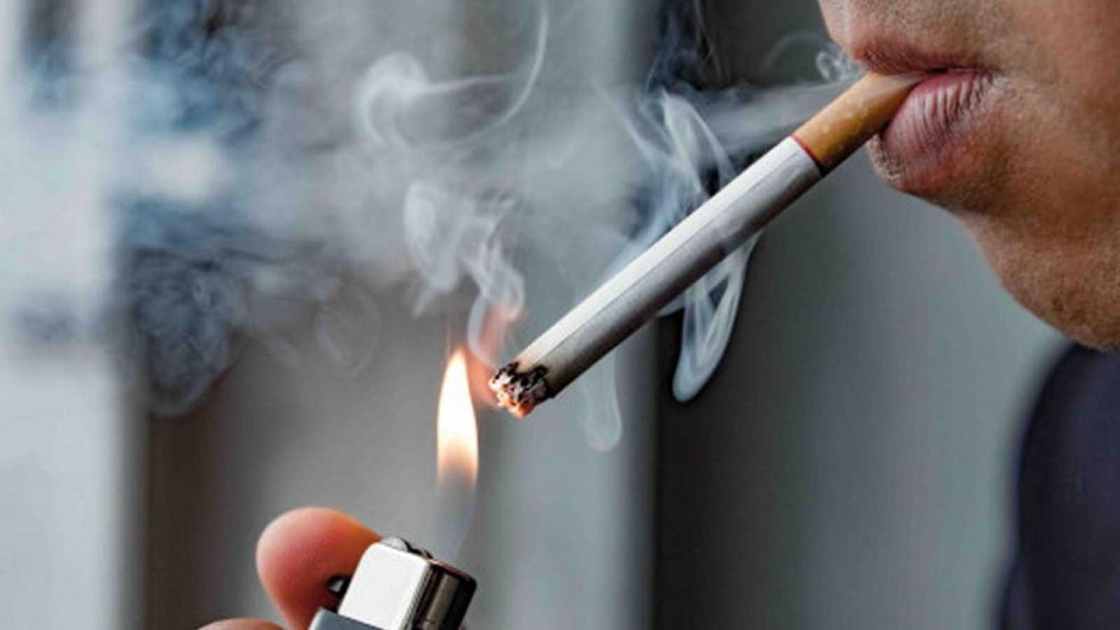 24 horas fin de semana - 20 horas - Cada año en España 33.000 personas fallecen a causa del tabaco - Escuchar ahora