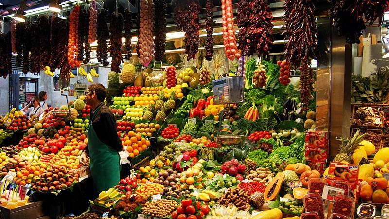 24 horas fin de semana - 20 horas - Fruterías y supermercados los precios más caros en confinamiento - Escuchar ahora