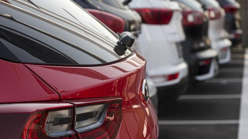 Boletines RNE - Un 43% de españoles piensa comprar un coche tras la pandemia - Escuchar ahora