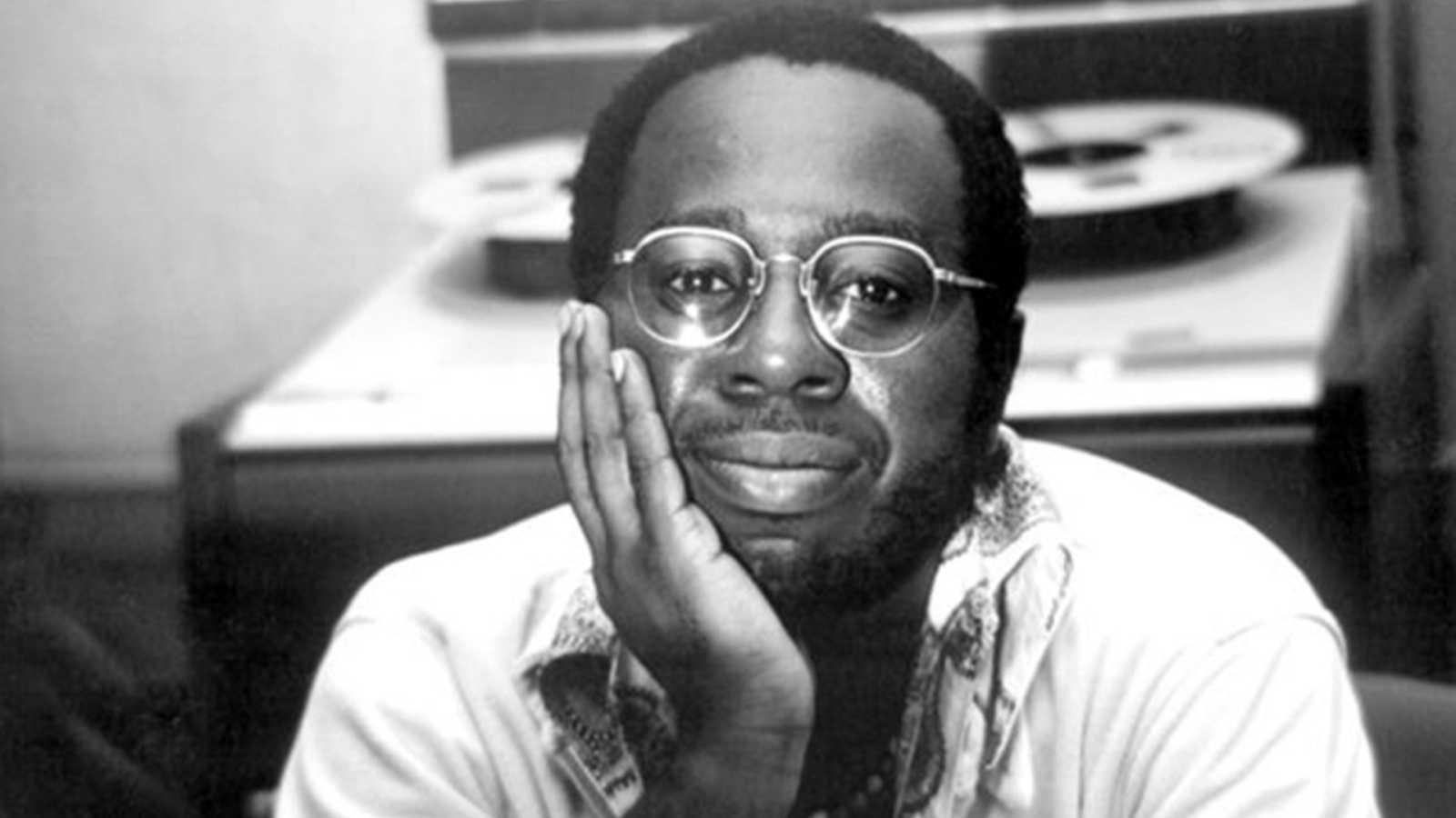Retromanía - Libro... La vida de Curtis Mayfield - 01/06/20 - escuchar ahora