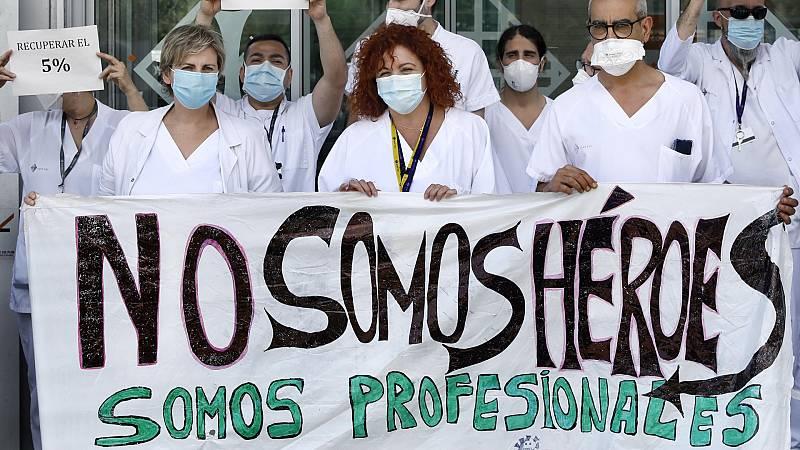"""24 horas - Elvira González, presidenta de AETESYS: """"Me gustaría que nuestros políticos nos defendieran como merecemos y no nos utilizaran como armas arrojadizas"""" - Escuchar ahora"""