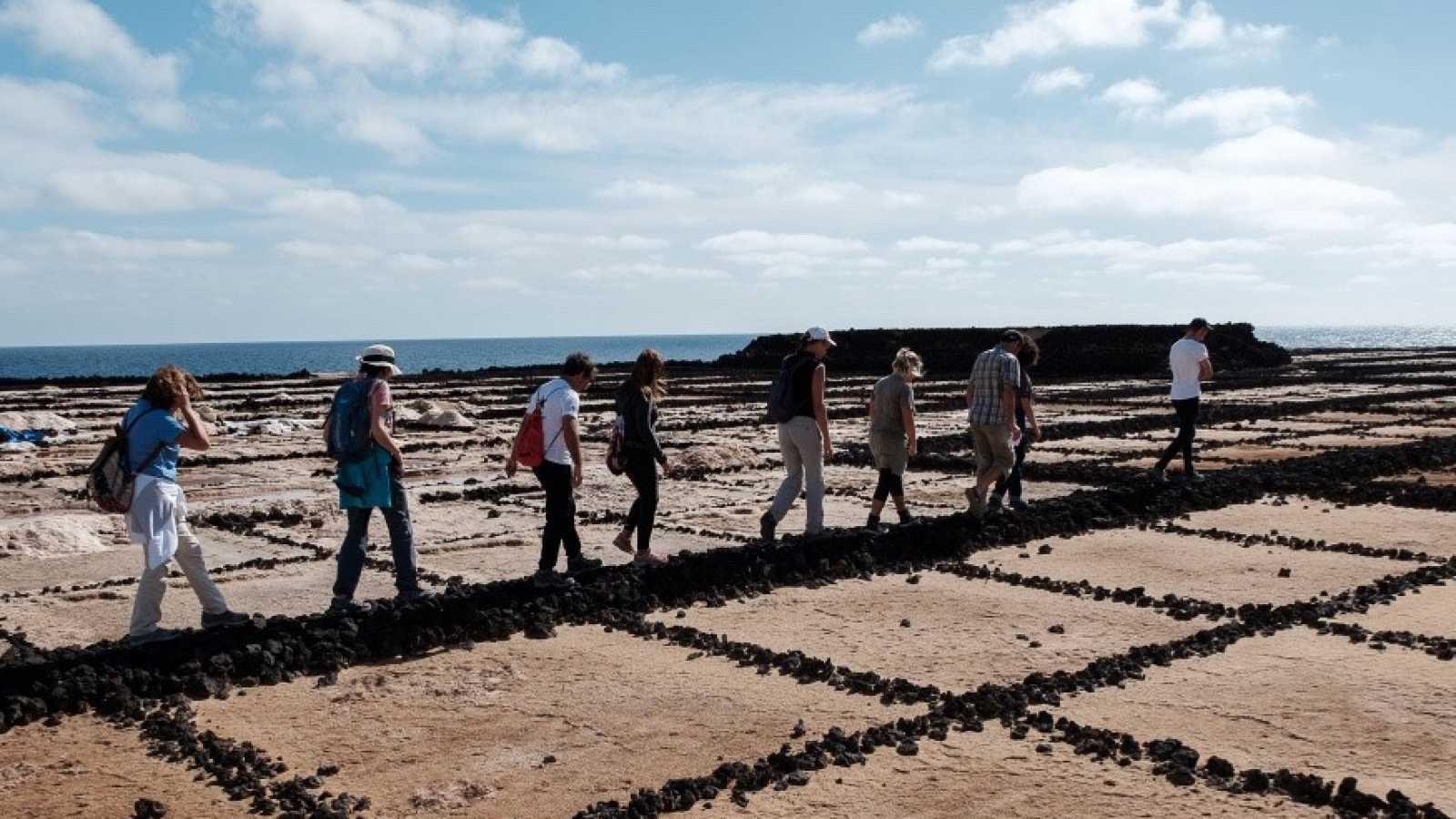 """Artesfera - Y la vida continúa. """"¿Cómo debería ser Lanzarote?"""" - 06/06/20 - escuchar ahora"""