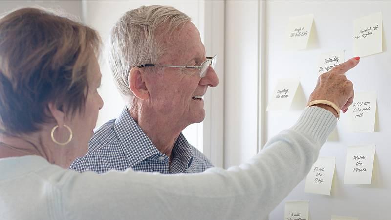 Todo noticias mañana - Consecuencias del confinamiento en enfermos de Alzheimer y cuidadores - Escuchar ahora