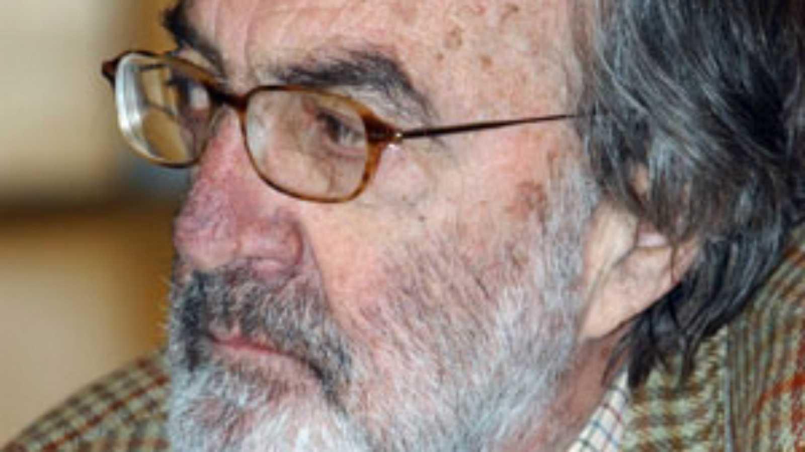 Documentos RNE - Javier Pradera, la autoridad en la sombra del poder - 05/06/20 - escuchar ahora