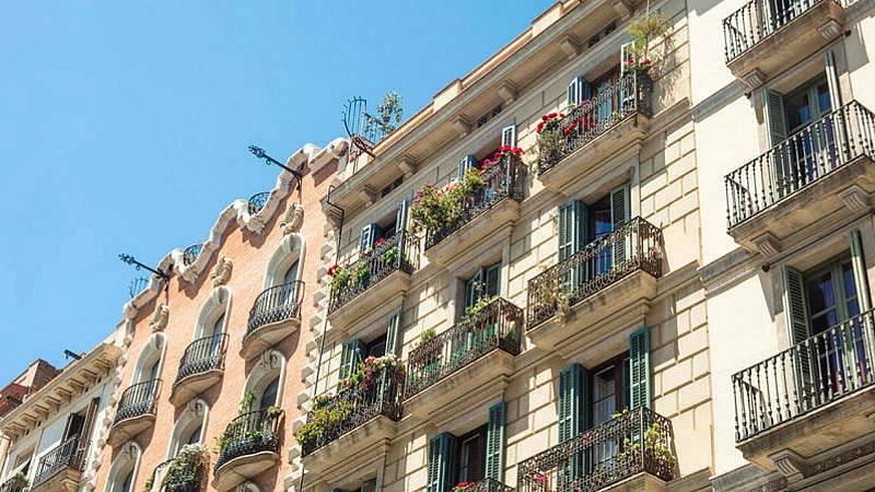 Las mañanas de RNE con Íñigo Alfonso - Dudas legales sobre los pisos turísticos que vuelven al alquiler residencial - Escuchar ahora