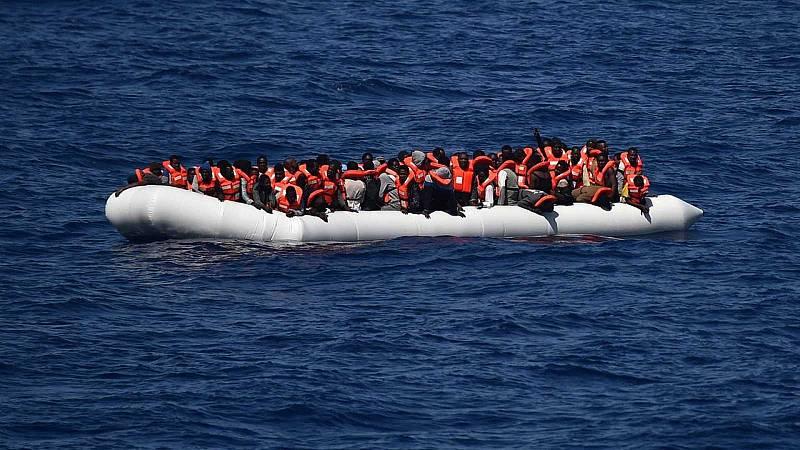Boletines RNE - Al menos 20 personas mueren frente a las costas de Túnez - Escuchar ahora