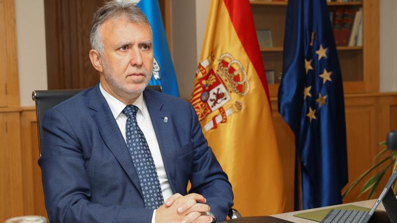"""Ángel Victor Torres: """"Si no se hacen los test COVID-19 a los turistas en origen, Canarias los hará al llegar"""" - Escuchar ahora"""