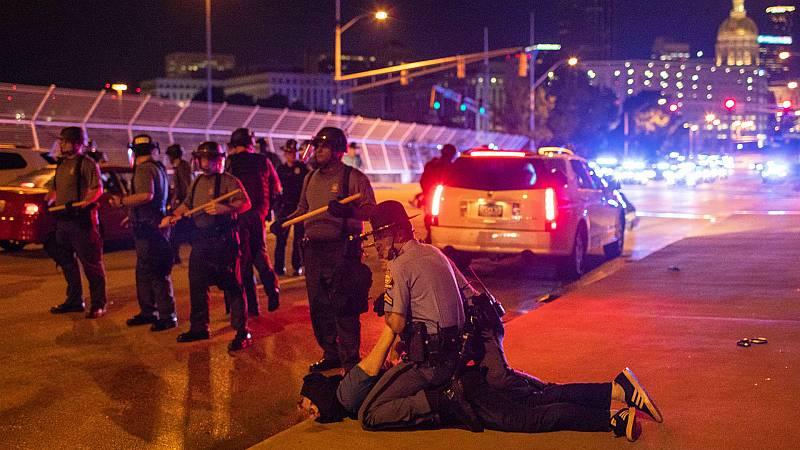 Las mañanas de RNE con Íñigo Alfonso - La autopsia confirma que la muerte del joven negro en Atlanta por disparos de la policía fue un homicidio - Escuchar ahora