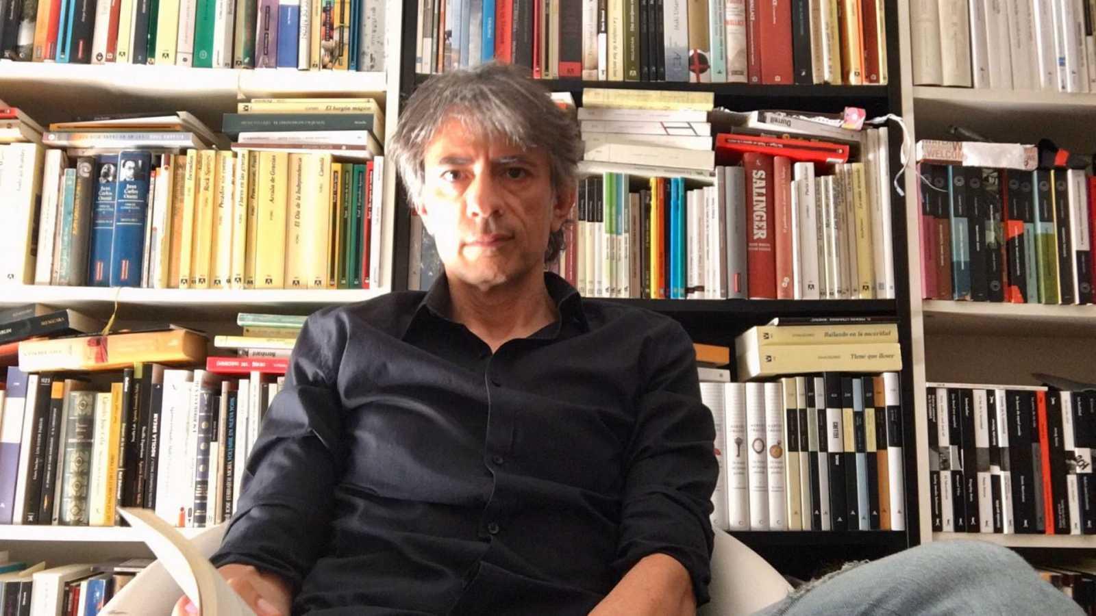 Diálogo y espejo - Juan Tallón: 'El pasado es un lugar de regreso aunque tú no lo quieras' - 20/06/20 - escuchar ahora