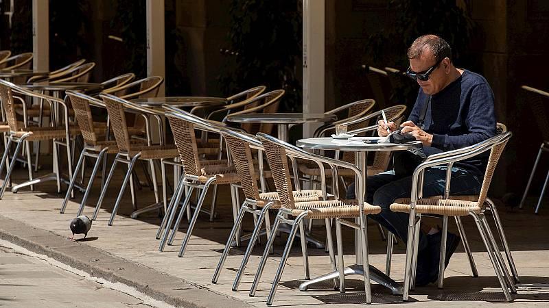España a las 8 Fin de Semana - Aforo máximo del 75% en bares salvo en Madrid y cancelación de todas las fiestas, entre las recomendaciones de las CCAA tras el estado de alarma - Escuchar ahora