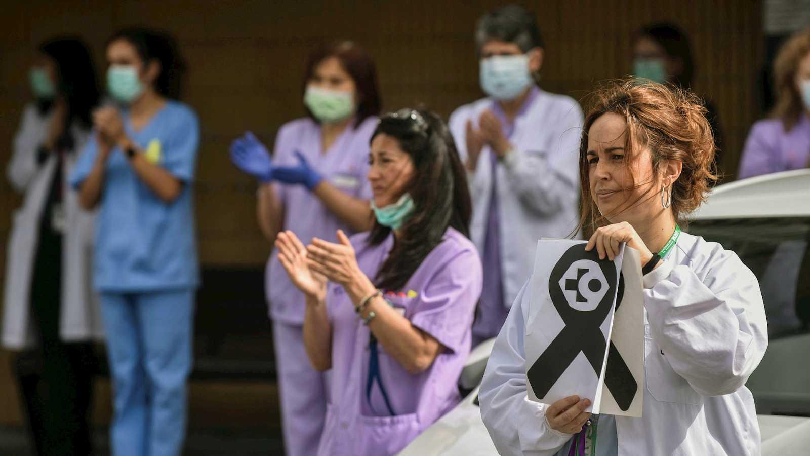 Parlamento - Radio 5 - La pandemia castiga duramente al sistema sanitario español y sus profesionales - Escuchar ahora
