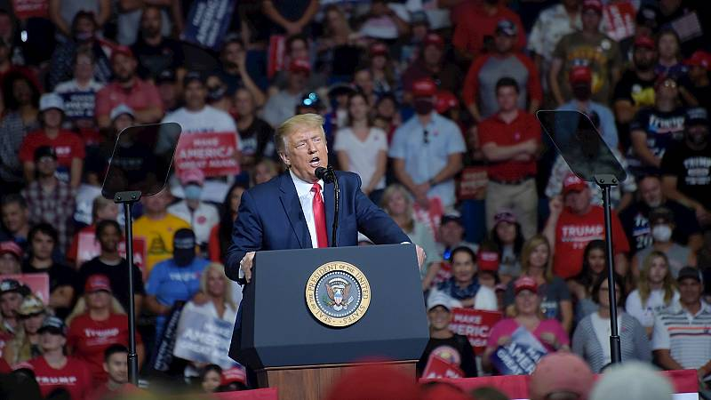 """España a las 8 Fin de Semana - Trump se erige como el representante del partido de """"la ley y el orden"""" en Tulsa - Escuchar ahora"""
