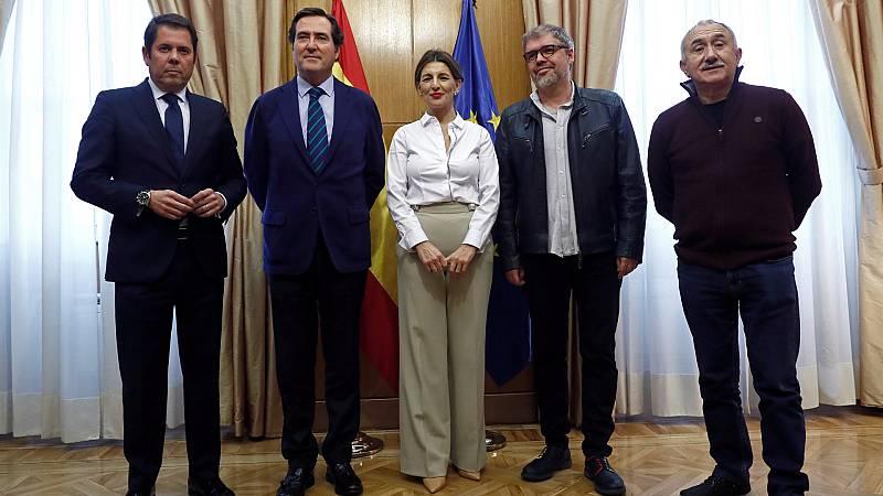 24 horas - Gobierno y agentes sociales siguen sin llegar a un acuerdo para extender los ERTE - Escuchar ahora