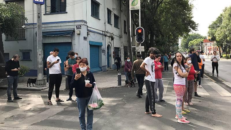 Boletines RNE - Un terremoto sacude México y lo mantiene bajo alerta de tsunami junto a Guatemala y El Salvador - Escuchar ahora